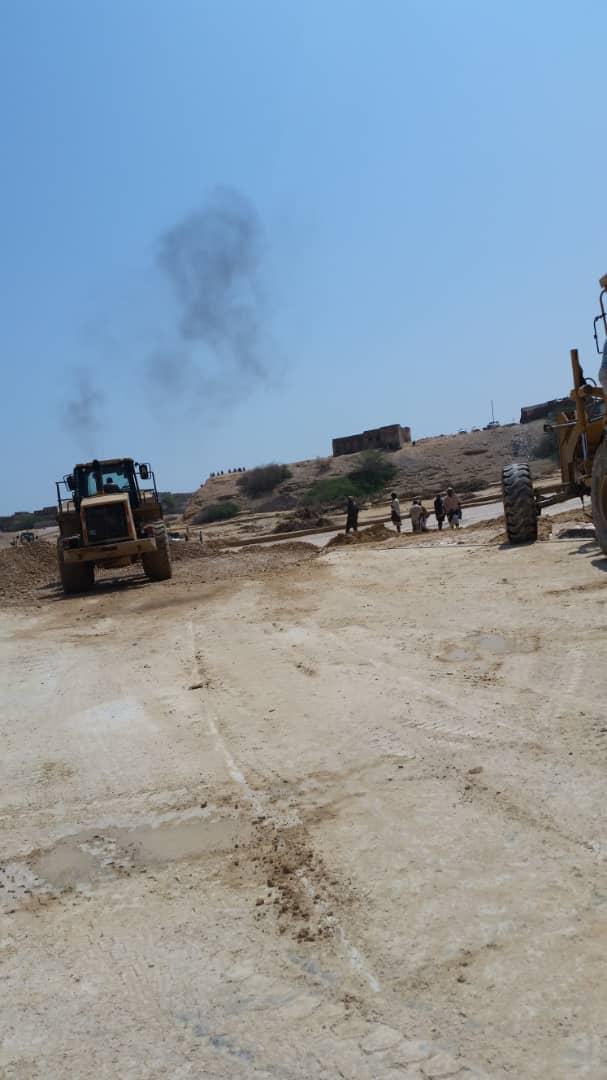 إعادة تأهيل وتسوية طريق الغيضة - نشطون بعد تضررها جراء إعصار لبان