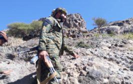 قائد الحزام الأمني بالضالع يزور الخطوط الامامية بجبهة دمت