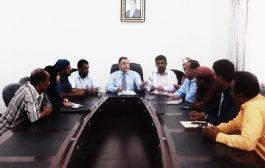 مناقشة تنفيذ ورشة عمل لتسويق خطة التعافي بمحافظة أبين