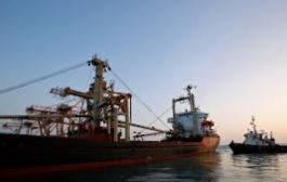 التحالف : 6 سفن تنتظر دخول ميناء الحديدة منذ 37 يومآ