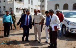 رئيس جامعة عدن يتفقد اللمسات الأخيرة لكلية الدراسات العليا والبحث العلمي