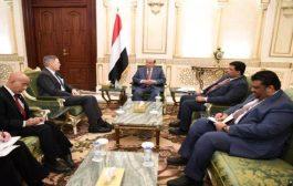 رئيس الجمهورية يستقبل سفير الولايات المتحدة الأمريكية لدى اليمن