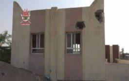 مليشيات الحوثي تقصف مسجدآ بالتحيتا