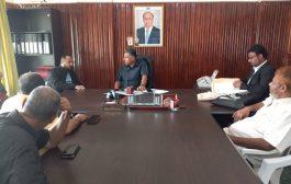 نائب محافظ عدن يطلع على الأوضاع الخدمية والأمنية في البريقة