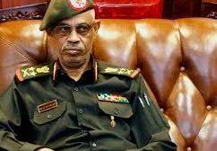 عاجل : وزير الدفاع السوداني يتنحى عن رئاسة المجلس العسكري