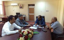 الوزير كفاين يناقش مع أمين عام المجلس المحلي لمحافظة عدن اوضاع القطاع السمكي في عدن