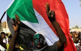 إصابة 10 أشخاص على الأقل بإطلاق نار قرب تجمع لمعتصمين في الخرطوم