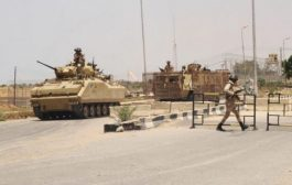 أصابة 5 جنود مصريين في انفجار استهدف مدرعتهم في الشيخ زويد بسيناء