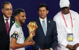 هل تجاهل اللاعب رياض محرز تحية رئيس وزراء مصر ؟