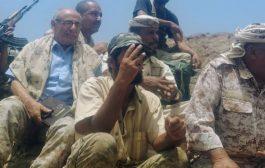 قائد المنطقة العسكرية الرابعة ورئيس انتقالي الضالع يتفقدان الخطوط الامامية لجبهات الضالع