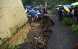 18 قتيلاً على الأقل بانهيار جدار جراء أمطار غزيرة في بومباي