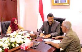 السلطة المحلية بعدن تضع خطة عاجلة لترميم المباني المتضررة في إنفجار شرطة الشيخ عثمان