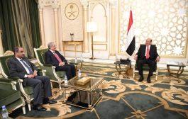 رئيس الجمهورية يشدد على اتخاذ الإجراءات للحد من تراجع سعر العملة الوطنية