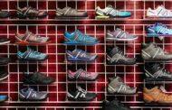 حرب التجارة تعتصر المؤسسات الصغيرة.. خيارات مريرة لشركات الأحذية الأميركية