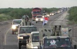 تعزيزات ضخمة من الساحل الغربي إلى عدن.. فما السبب؟  فيديو