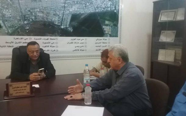مدير المنصورة وشرطة السير والنقل يناقشوا سبل إعادة تنظيم محطات النقل