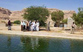 وزير الثروةالسمكية يدشن أول مزرعة إنتاج للأسماك في وادي حضرموت