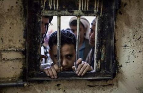 منظمة حقوقية : وفاة معتقل في سجون المليشيات الحوثية بعد حرمانه من العلاج
