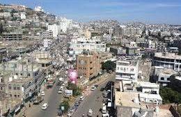 إب:  سقوط شاب في أحد شوارع المدينة من الجوع.. شاهد ذلك