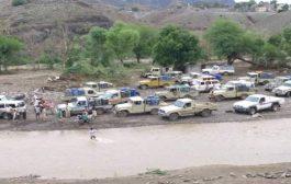 هكذا تمون المليشيات …ظاهرة تهريب الوقود شمال لحج.. تموين للحوثيين تحت أنظار الجميع