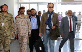 الفريق الحكومي يعقد اجتماع بكبير المراقبين الأممين في عدن