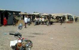 عمال الخدمات الاجتماعية بمخيم خرز يناشدون سلطات لحج وقف استقطاعات مرتباتهم وإنصافهم