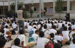 حملة توعية بيئية وغرس شتلات زراعية في مدارس البريقة