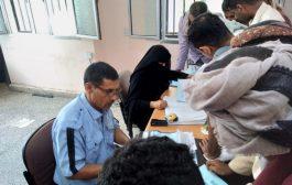 شرطة المرور في لحج تواصل حملتها الأمنية ضد المركبات المخالفه والغير مرقمه