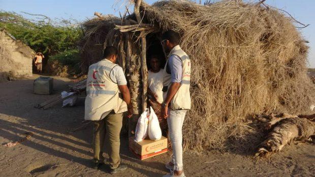 الهلال الأحمر #الإماراتي يسير عيادات متنقلة لخدمة الصيادين في الساحل الغربي