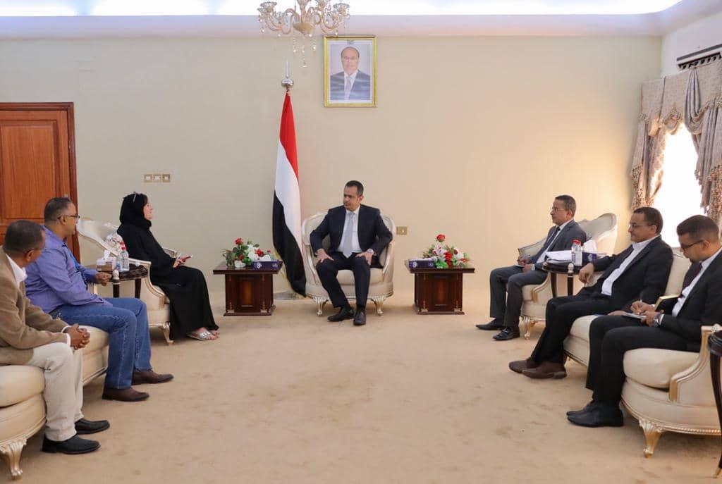 رئيس الوزراء يستقبل مدير مكتب مفوضية شؤون اللاجئين في عدن
