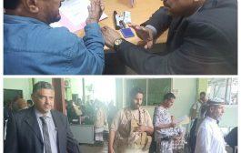 القائم بأعمال محافظ عدن يطلع على سير الأداء بفرع مصلحة الهجرة والجوازات