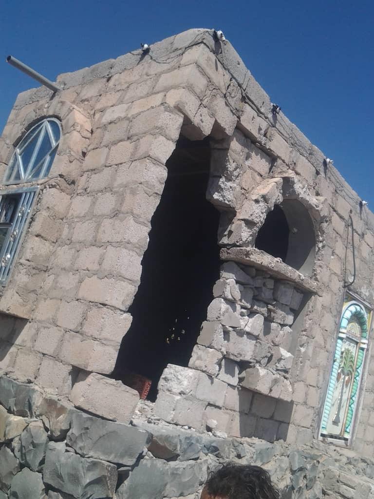 نزوح كبير لأهالى القرى المحيطة بجبهة حجر جراء القصف الحوثي