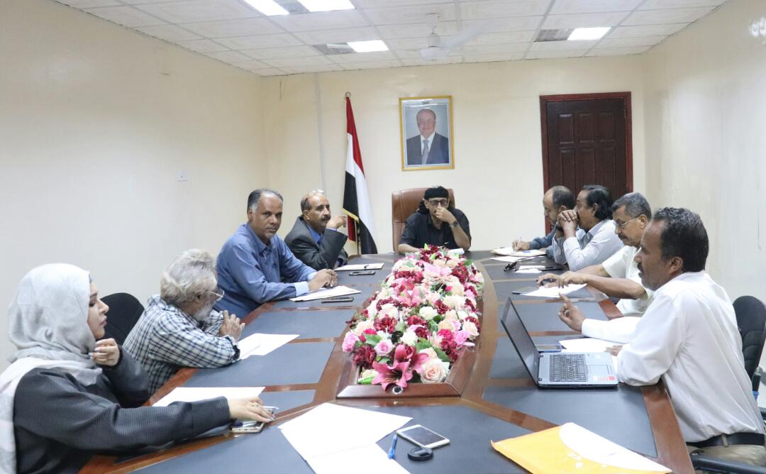 لمناقشة إعادة تفعيلها: اللجنة الوطنية لمكافحة جرائم الاتجار بالبشر تعقد اجتماعآ لها بعدن