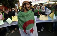 تظاهرات حاشدة في الجزائر في الذكرى الأولى لانطلاق الحراك