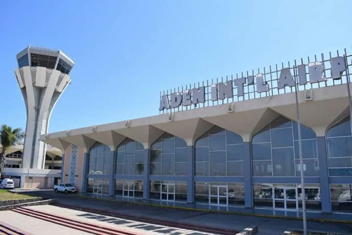 مدير الخدمات الصحية بمطار عدن الدولي يطمئن المواطنين بعدم دخول اَي مصاب إلى البلاد