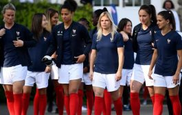 اتحاد كرة القدم الأمريكي: أجور اللاعبات يجب أن تكون أقل من الرجال