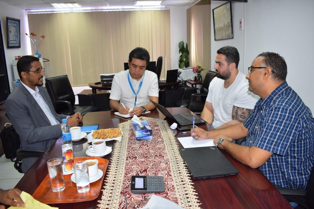 وكيل الحديدة يناقش مع مدير المفوضية السامية سبل اجراءات الوقاية من فيروس كورونا