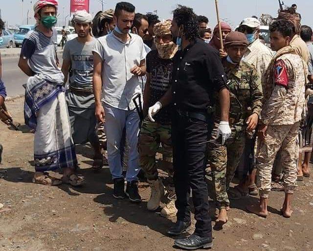 محتجون يغلقون مطار عدن..وفهد مشبق يوجه رسالة..فيديو