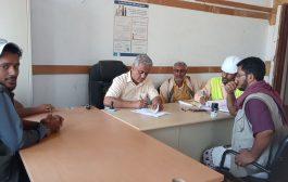 مدير عام الملاح بلحج يتسلم مشروع بناء مركز للأمومة والطفولة بمستشفى المديرية من الجهة المنفذة
