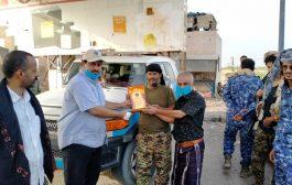 تقديرا لليقضة الأمنية: رئيس انتقالي لحج يكرم قائد نقطة ريجل الملجمي