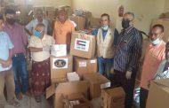 انتقالي لحج يدشن توزيع المساعدات الطبية المقدمة من دولة الإمارات