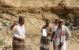 بعد الوقفة الاحتجاجية مدير عام مديرية حجر يوضح الاجراءات المتخذه لإعادة مشروع مياه الجول