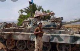 وزير بحكومة الشرعية يطلق تحذير لكل من تآمر على جزيرة سقطرى