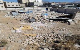 جماعة الحوثي تهدما منزلآ في صنعاء.. وتطرد الأسرة منه
