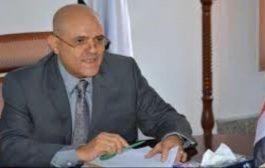 محافظ تعز: يتهم الشرطة العسكرية الموالية للاصلاح بالتمرد على الشرعية
