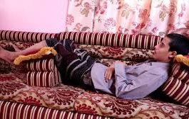 شاهد بالفيديو : حالة أسير من المفرج عنهم عذب على يد مليشيات الحوثي ..ففقد ذاكرته وحركته