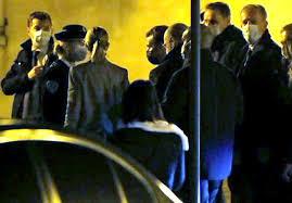 الرئيس الفرنسي يزور المنطقة التي تم فيها قطع رأس معلم تعرف على السبب