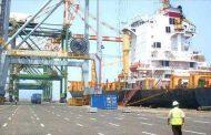 وزير النقل يعلن عن قرض بنصف مليار دولار لتأهيل ميناء عدن