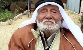 بالفيديو أكبر معمر يمني يعيش في فلسطين وصلها 1936م يروي حكايته المثيره !