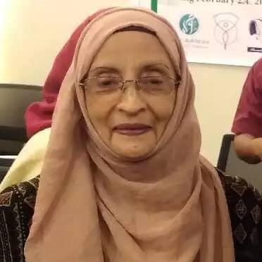 شاهدة على تاريخ المرأة .. رضية شمشير أول صحفية يمنية